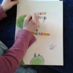 Schriftbild, frei nach Paul Klee. Kinder entwerfen zu diesem Thema Gute Wünsche zu Ostern.