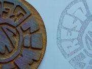 Holzschnitt und Mylarfolie